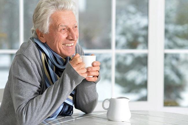 Cách phòng bệnh hô hấp lúc giao mùa ở người cao tuổi